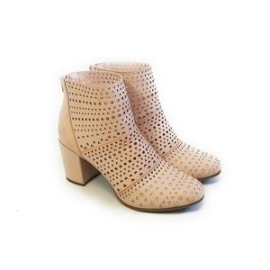 RAMPAGE Womens Blush Pink Perforated Boots Size 10